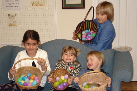 Children_with_their_easter_eggs
